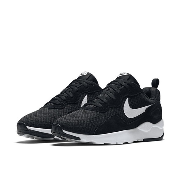 265ecce040e Nike LD RUNNER Women s Running Shoes - Black White